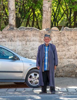 Mann in Aini