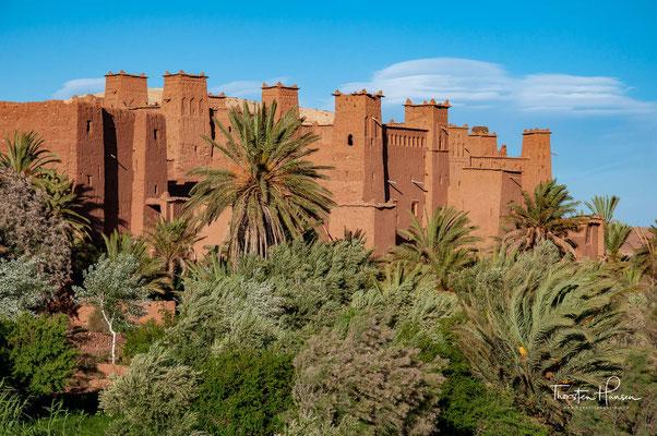 Ein kleines Dorf mit der Ruine einer weiteren Glaoui-Kasbah mit zahlreichen Storchennestern, 3 oder 4 Tighermatin und dem Marabut von Sidi Abderrahmane Ali.