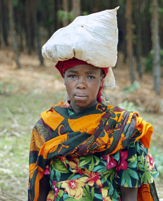 Frau in den Usambara Bergen