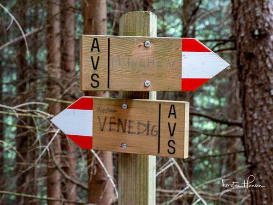 Heute erwartet den Wanderer, auf den Weg von Stein nach Pfunders, eine unberührte Bergeinsamkeit mit sehr vielen Höhenmetern