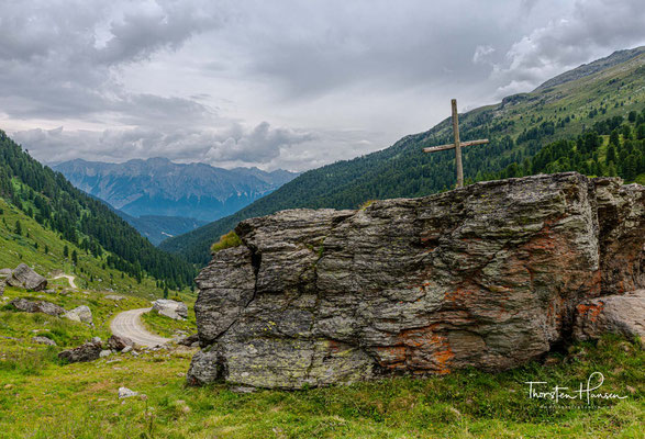 Blick auf das Karwendel und das Inntal von dem Almdorf Steinkasern auf 2002 m