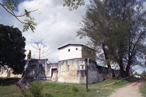 Das Liku-Haus wurde von einem asiatischen Kaufmann gebaut und von Ratu Bhimji an die deutsche Kolonialverwaltung verkauft.