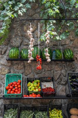 野菜店の壁