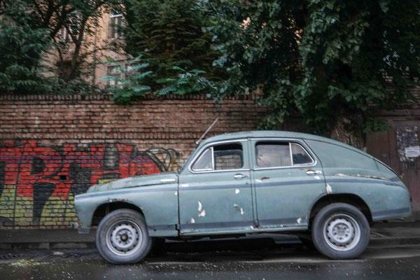 路上のクラシックカー、因みにチェコ製シュコダであった