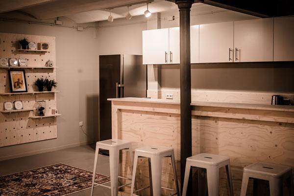 Keuken met underlayment bar voor Kaartje2Go Zwolle