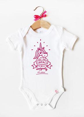 Babybody mit Namen - Einhorn in Weiß