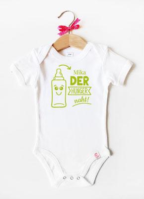 Babybody mit Namen - Babyflasche in Weiß