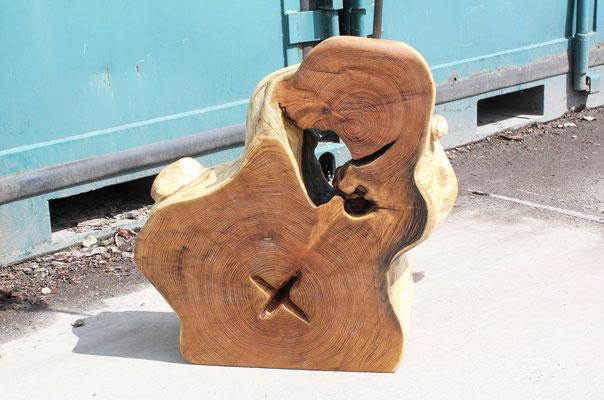 Skulptur »Durchblick« aus Robinie, H: Sockel 57cm, H: gesamt 125 cm