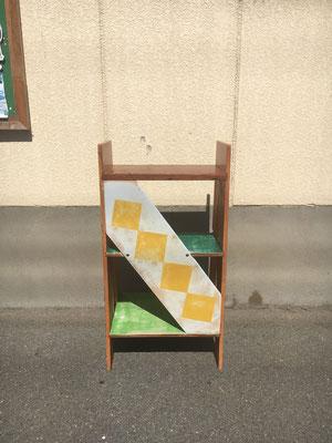 京都のピザ屋さん GOLDEN ROCCA CRISPYさんの店内にある椅子。椅子作りは刺激的な製作でした。一つ一つ違うテイストとのことで、デザインを考える作業から刺激的。