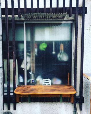 大阪市西区にある九条トリコさんの外カウンターを製作しました。