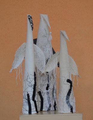 """Текстильная скульптура """"Птицелюди"""", международный пленэр текстильной скульптуры в Смолевичах, Беларусь, 2014г."""