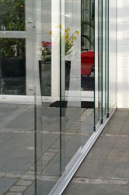 Glasschiebetür Terasse