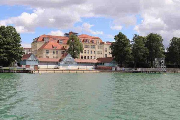 """Blick von der """"Annemarie"""" auf die Badeanstalt - Strausberg"""