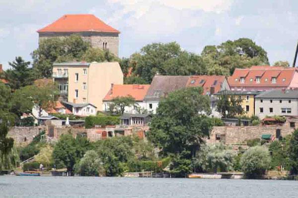 """Blick von der """"Annemarie"""" auf St. Marien - Stadtmauer - Strausberg"""