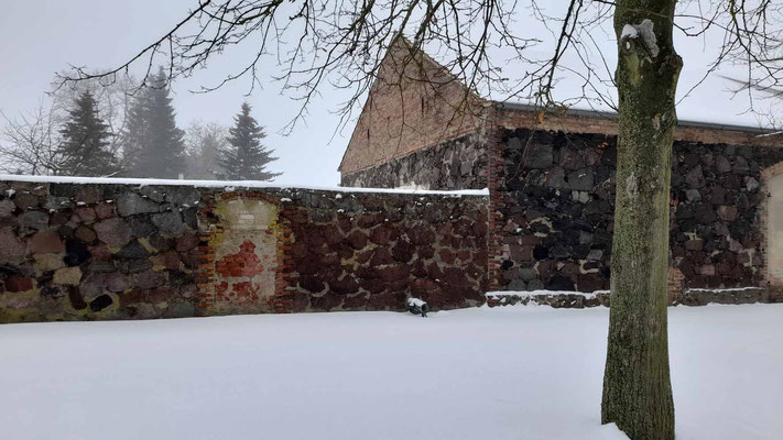 Grunow - Feldsteinmauer