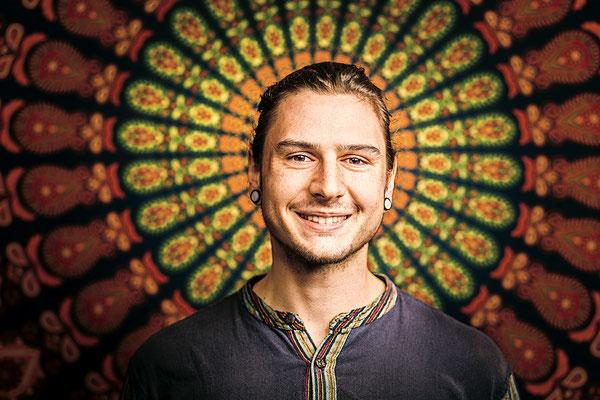 Yoga Lehrer Portrait