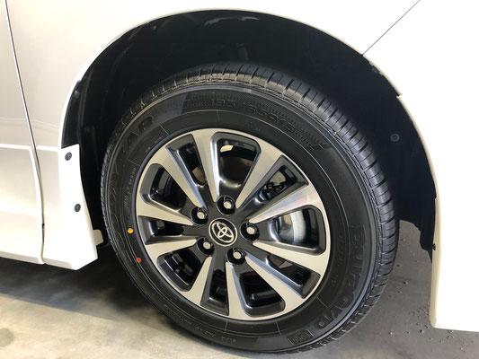 岡山の新車のトヨタミニバンにガラスコーティング