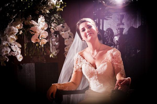 Bruid tijdens ceremonie