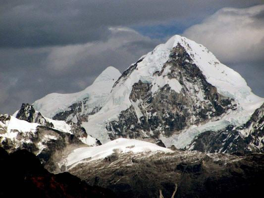 les montagnes du Lantang tout proche