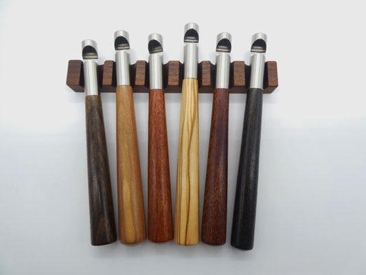 Flaschenöffner aus Holz mit Edelstahl