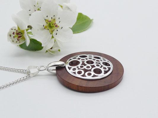 Holzschmuck mit Silberanhänger