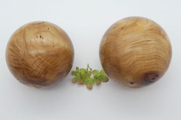 Holzkugeln aus Ulme