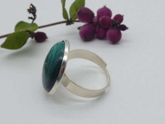 Ring mit Holzcabochon in türkis