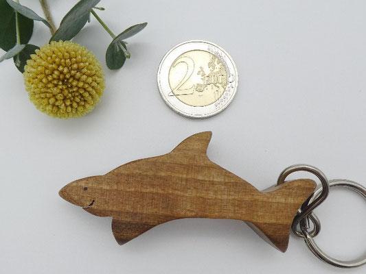 Hai aus Walnuss
