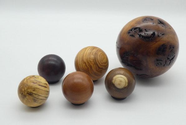 Holzkugel aus Ulme