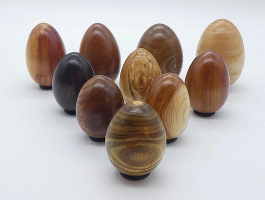 Holzei aus chinesischem Wacholder für das Osternest