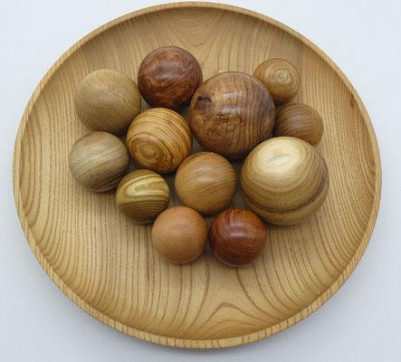 Holzkugel aus Esche, 54 mm