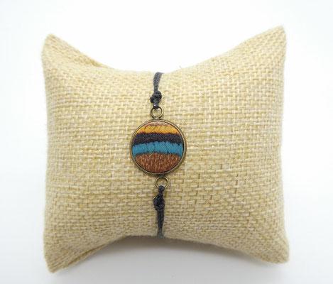 Makramee-Armband mit Holz in türkis-braun-ocker