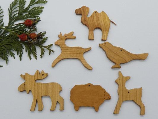 Weihnachtsbaumschmuck aus Kirsche