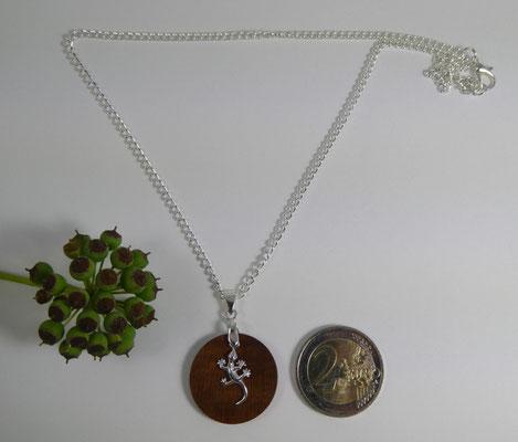 Holzanhänger aus Zwetschge + Salamander aus Silber