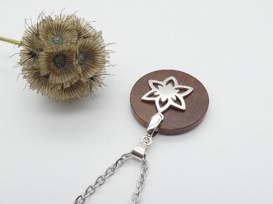 Halskette mit Anhänger aus Zwetschge & Blüte aus 925 Silber