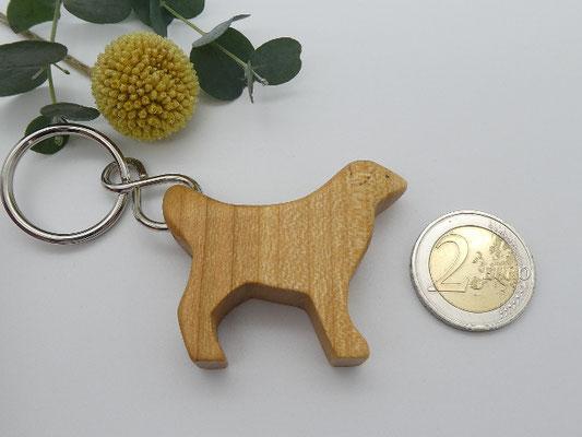 Hund aus Kirschholz