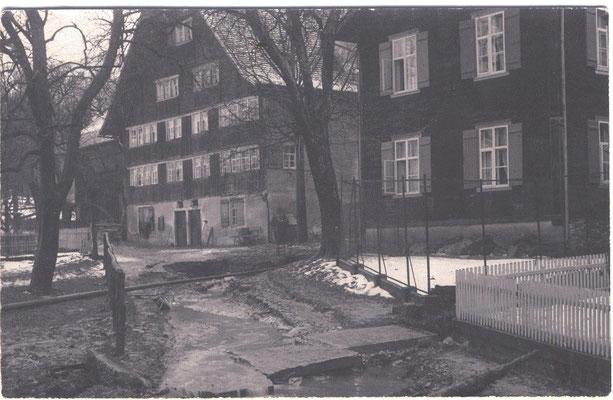 "Links ""Sondereggerhus"", rechts ""Augusta Fabrikli"""