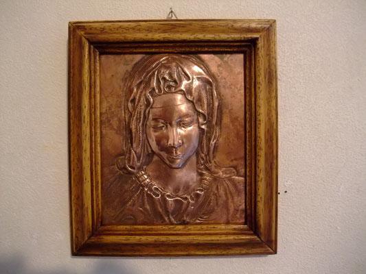 ミケランジェロ・ピエタ像の聖母