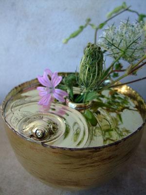 波紋シリーズ、真鍮製花器