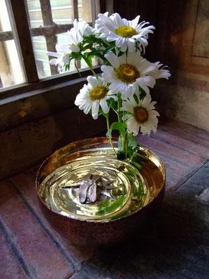 真鍮製花器・トンボ