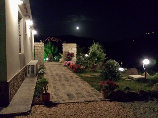 luna piena alla Suite di Segesta