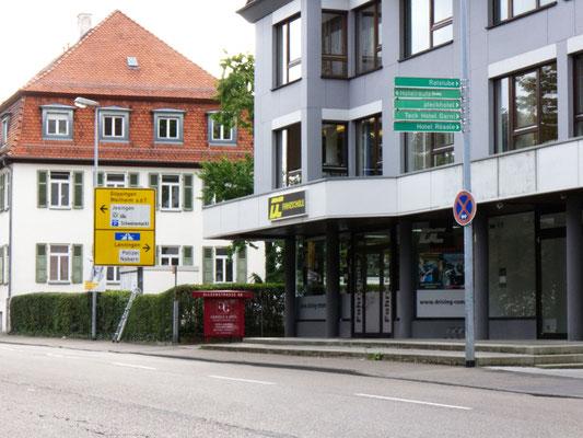 DC Fahrschule: Inhaber Alexander Zöllner.  Alleenstraße 66,  73230 Kirchheim unter Teck. Bild 1