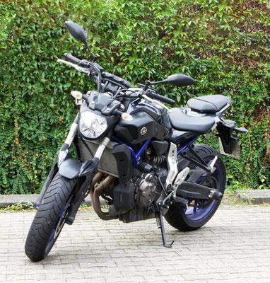 DC Fahrschule: Unser Motorrad für die Fahrstunden und die Fahrprüfungen der Führerscheinklasse A. Die Yamaha MT-07. Bild 1