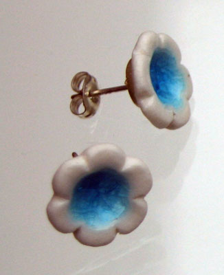 Stud earrings: turquoise