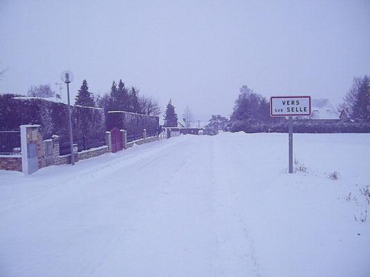 Trail de St Fuscien (dép80 - 7,5 & 15km - Dim20/01/2013). retour du photographe à Vers/Selle.
