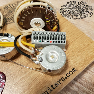 SOLDERLESS WIRING HARNESS STRATOCASTER HSS PREWIRED HARNESS artys-custom-guitars.com