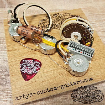 SOLDERLESS WIRING HARNESS STRATOCASTER HSS PREWIRED HARNESS www.artys-custom-guitars.com