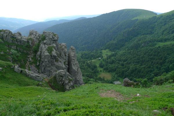 Blick hinab ins Tal des Lac de Schiessrothried