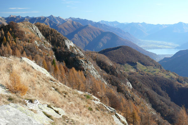 Aussicht zum Lago Maggiore beim Aufstieg zum Pizzo Ruscada