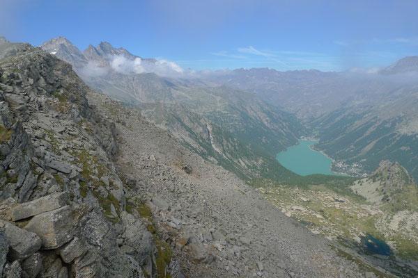 Tiefblick zum Lago Ceresole